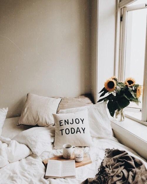 pinterest : imxnniii ♡ ❀ ✨   Schlafzimmerideen für kleine ...