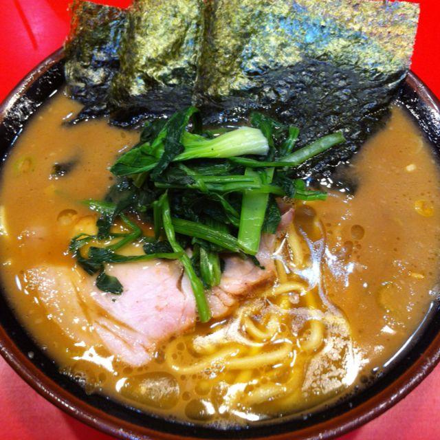 吉村家のラーメン 美味しいラーメン 食べ物のアイデア クッキング
