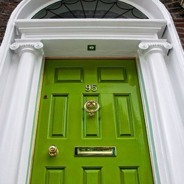 Green door | want it | Pinterest
