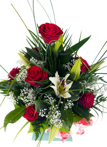 With An Exquisite Bunch Of Congratulations Flowers You Can Make Any Event Memorable For Your Loved Ones S Congratulations Flowers Flowers Flower Arrangements