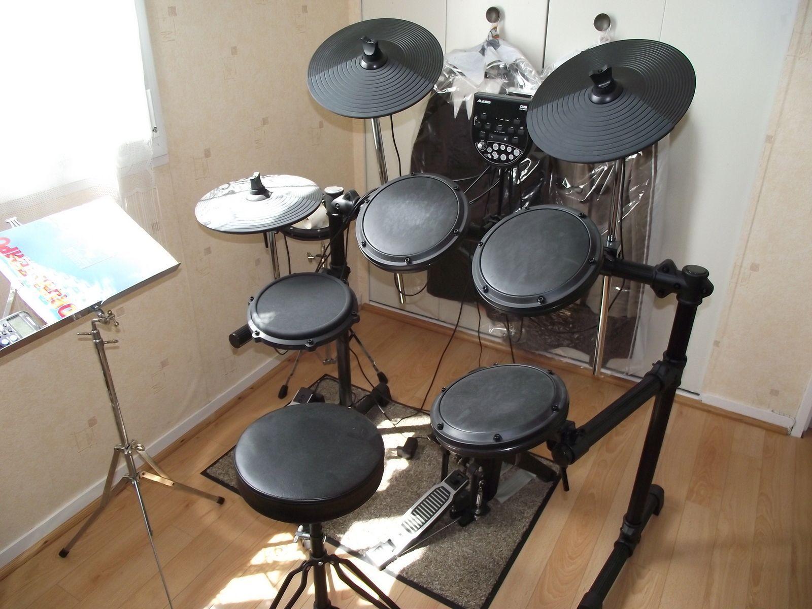 Alesis dm6 electronic drum set
