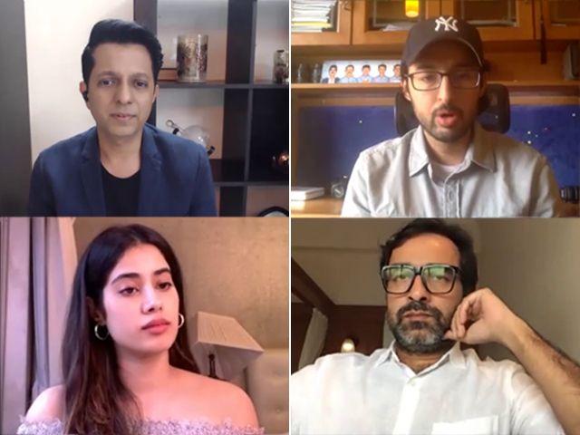 Spotlight Janhvi Kapoor Pankaj Tripathi On Bringing Gunjan Saxena S Story To Life More In 2020 Life Bring It On S Stories