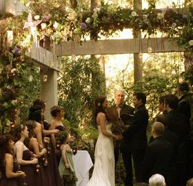 The Spontaneous Wardrobe A Midsummer Night S Dream Wedding