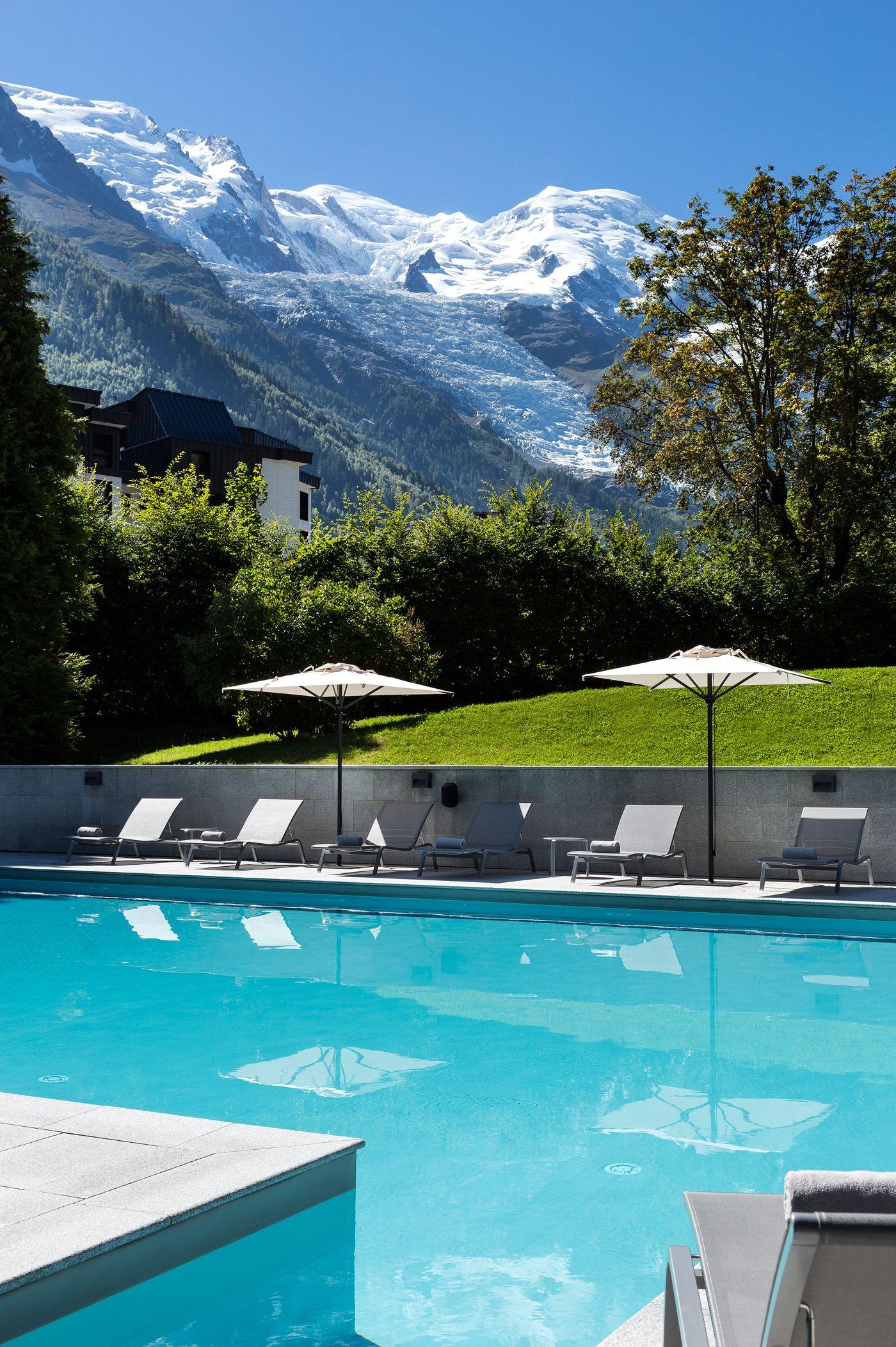 Lu0027Hôtel Mont Blanc à Chamonix #Piscine #Montagne #Soleil #Transat