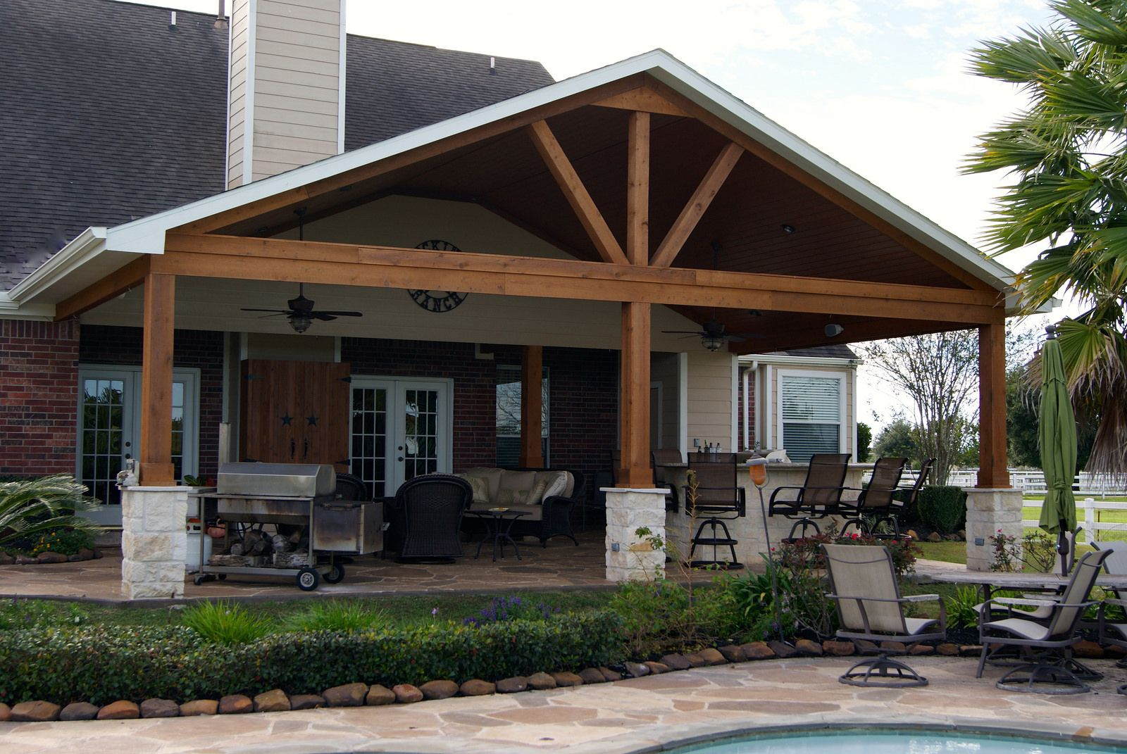 Gable roof patio cover in remington trails katy gable for Patio cover ideas designs