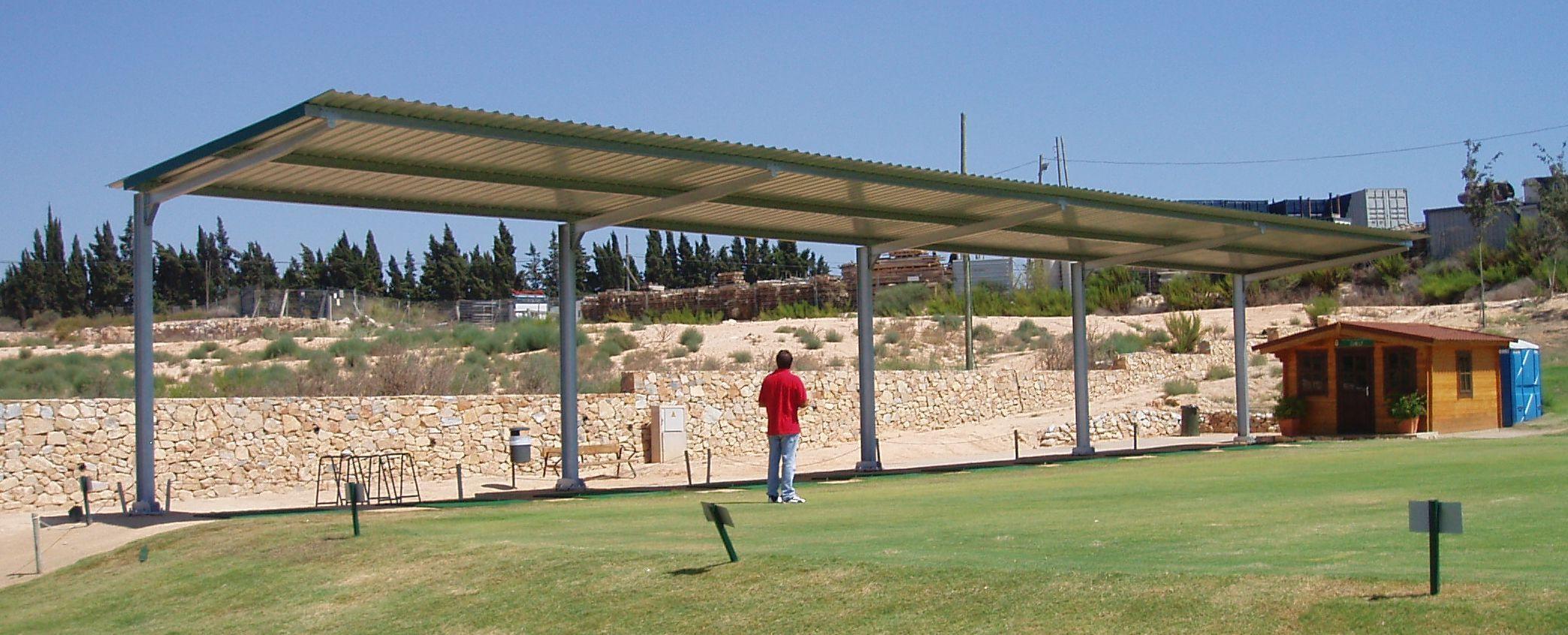 Cubrir instalaciones deportivas con techos protectores - Cubiertas para pergolas ...