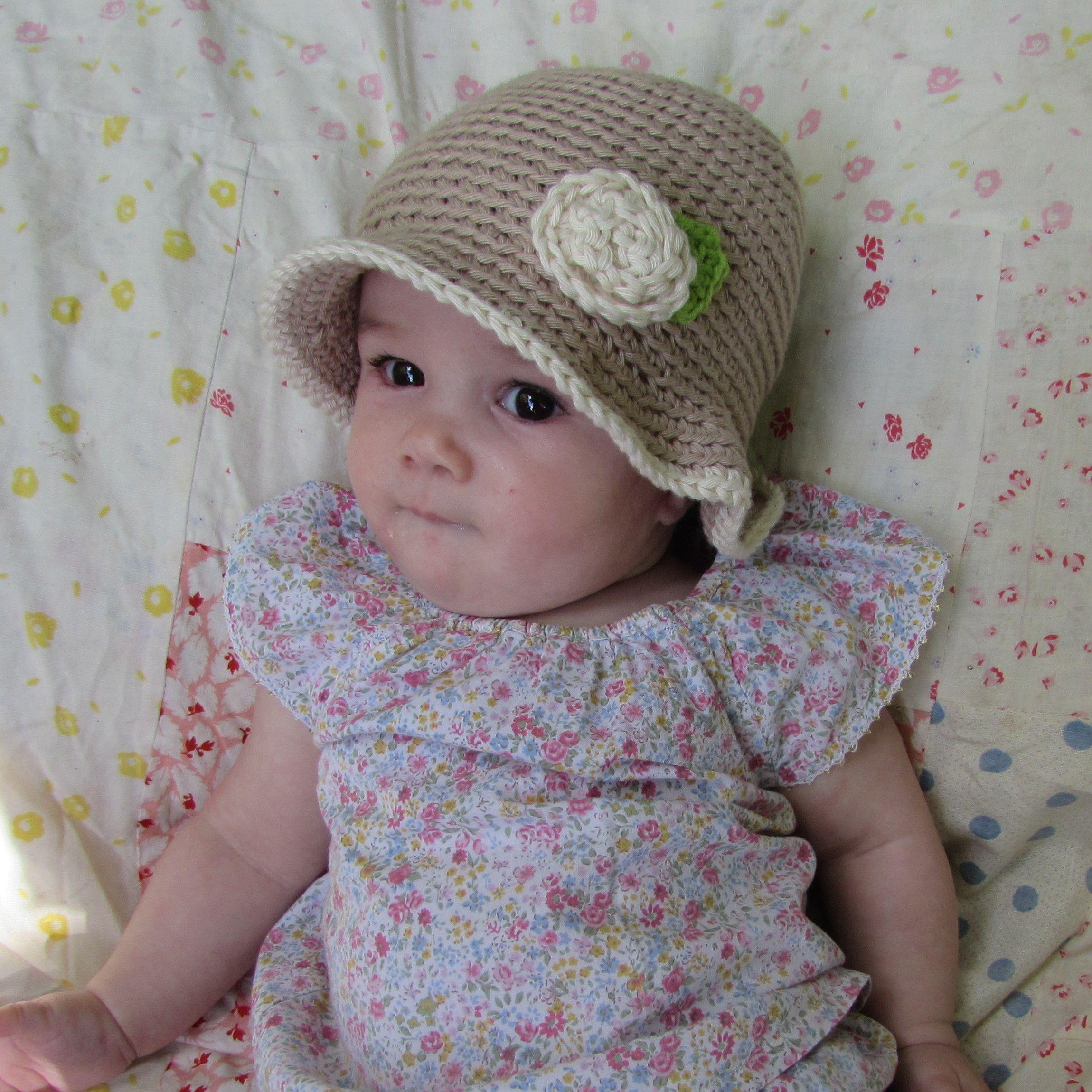 b26482c64086d Gorro bebé de verano beige con flor en algodón de 5 a 12 meses ...