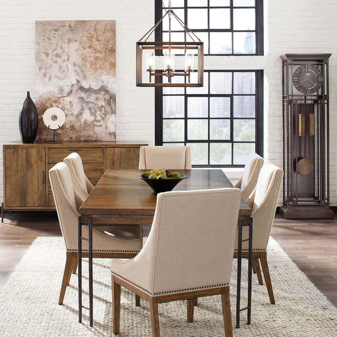 Decorate Your Dinning With These Lovely Christmas Chair: Is Your Dining Room Ready For Your Holiday Entertaining