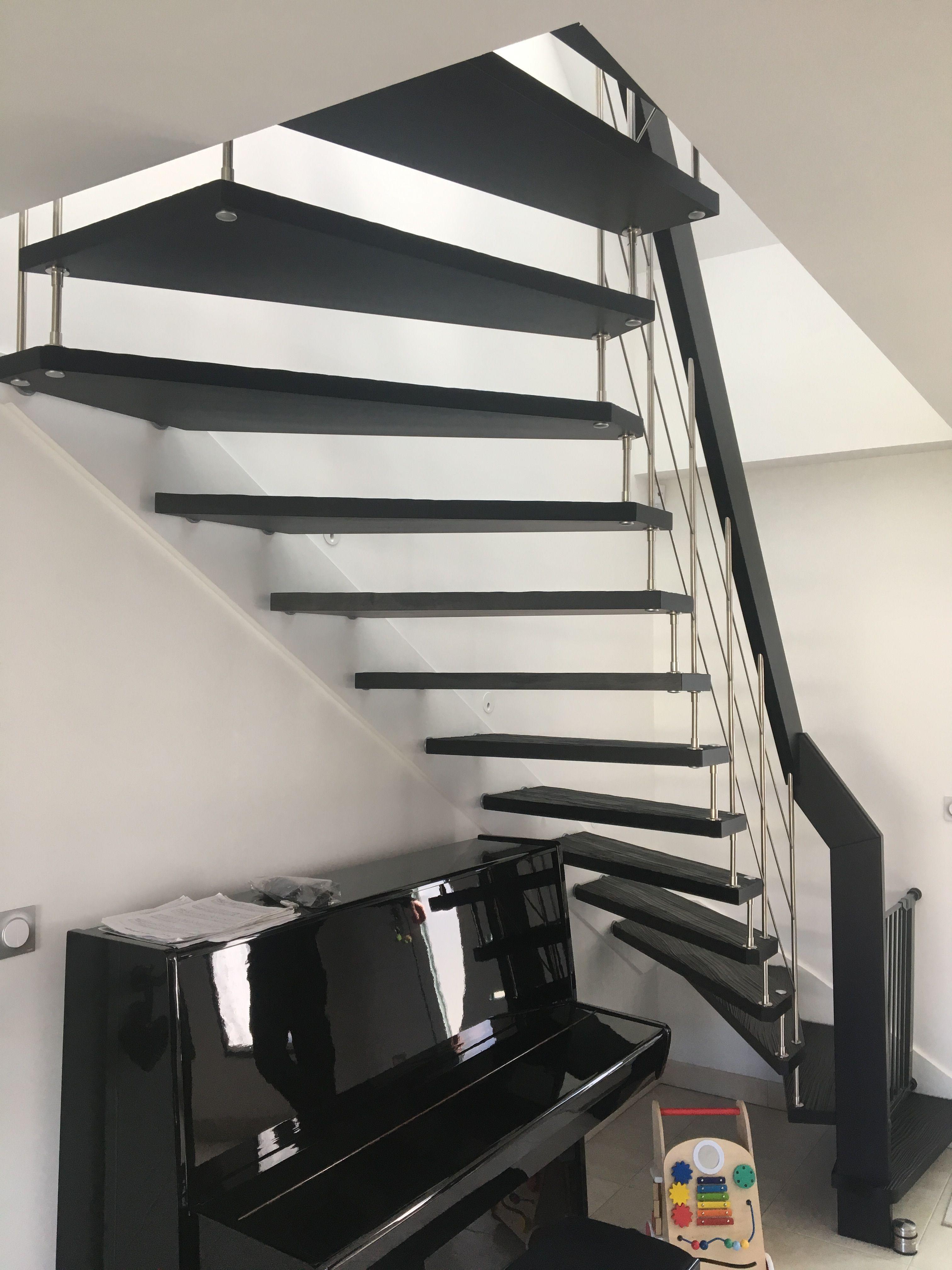 Peinture Escalier Noir Mat escalier suspendu nova r6 avec marches senzu® et finition