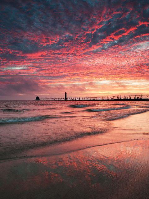 Lake Michigan sunset in Grand Haven, Michigan - I've seen this in person. Fabulous. Michigan | Grand Haven | Sun Set | Beach