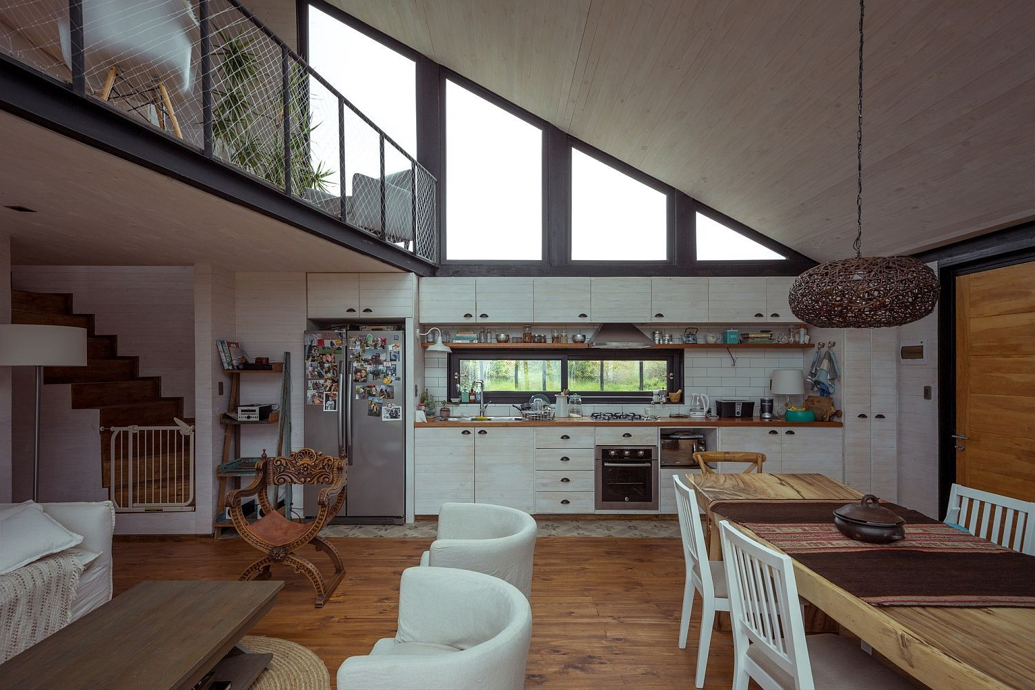 Sloped ceiling of the kitchen and dining area