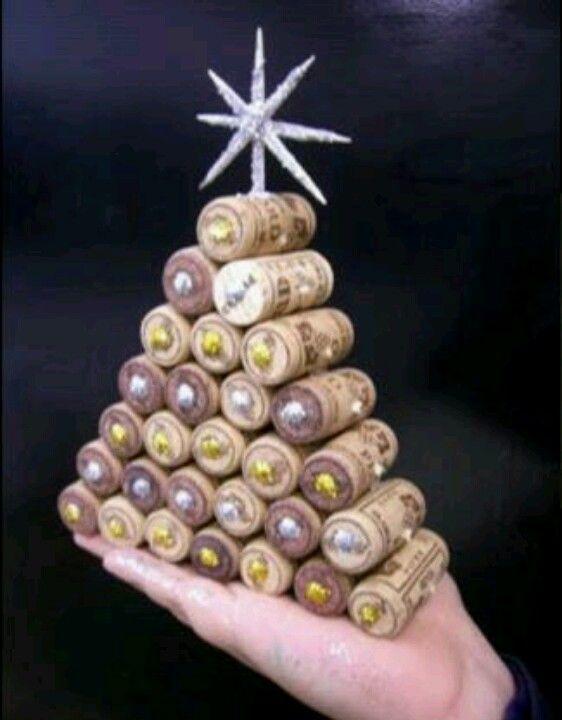 Rbol de navidad de tapones de corcho manualidades - Manualidades corcho blanco ...