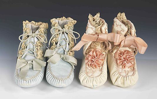 antique (probably French) silk, linen and leather christening booties, ca. 1900 ... photo courtesy the Metropolitian Museum of Art costume collection (I might possible do some damage for these)