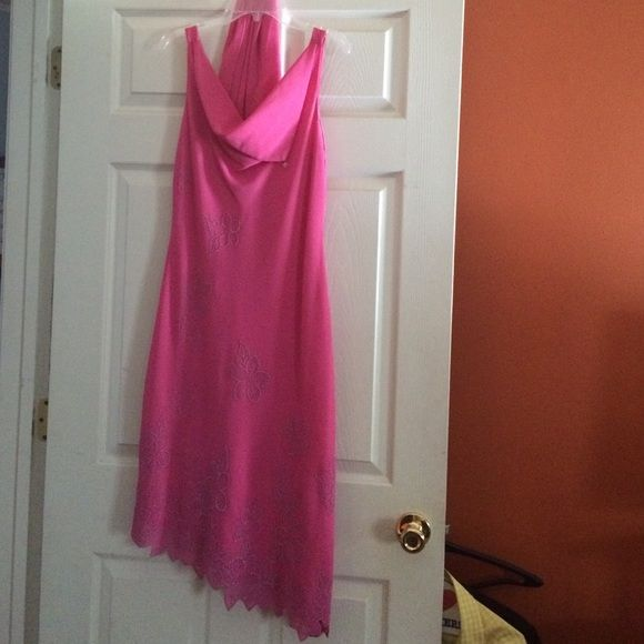 Boutique cutie Cool for a dinner party! Comes with shawl. No name Dresses