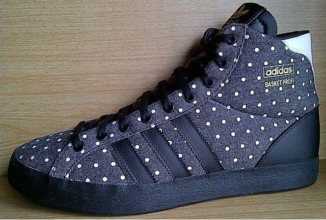 Adidas Tertarik Hub 0831 6794 8611 Kode Sepatu Adidas Basket Profi Og Grey Black Polk Ukuran Sepatu 42 Harga Rp 700 000 Sepatu