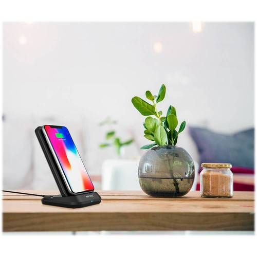 Power your mobile devices with this RapidX MyPort power bank. The USB and USB-C ports let you charge two devices simultaneously, while the 10000 mAh battery lets you recharge your phone while on the go for increased productivity. This RapidX MyPort power bank has a stand that ensures seamless hands-free operation and supports wireless charging.