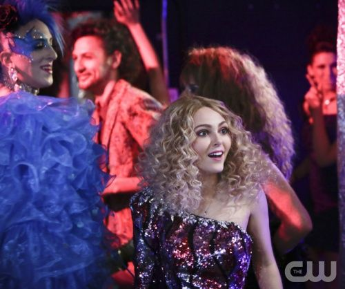 """The Carrie Diaries -- """"Hush, Hush"""" -- Pictured: AnnaSophia Robb as Carrie Bradshaw -- Image Number: CD108a_0066b.jpg — Photo: Patrick Harbron/The CW -- © 2013 The CW Network, LLC. All rights reserved."""