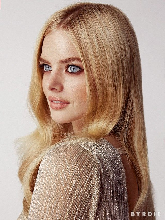 Samara Weaving Models This Season's MustTry Makeup Trends