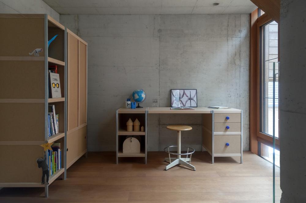 Armoires Et Bureaux Pour Un Interieur Vintage Meubles Kewlox In 2020