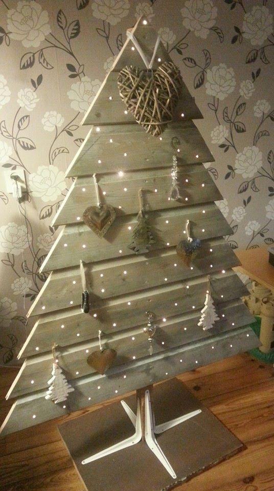 Unser Holztannenbaum geschmückt