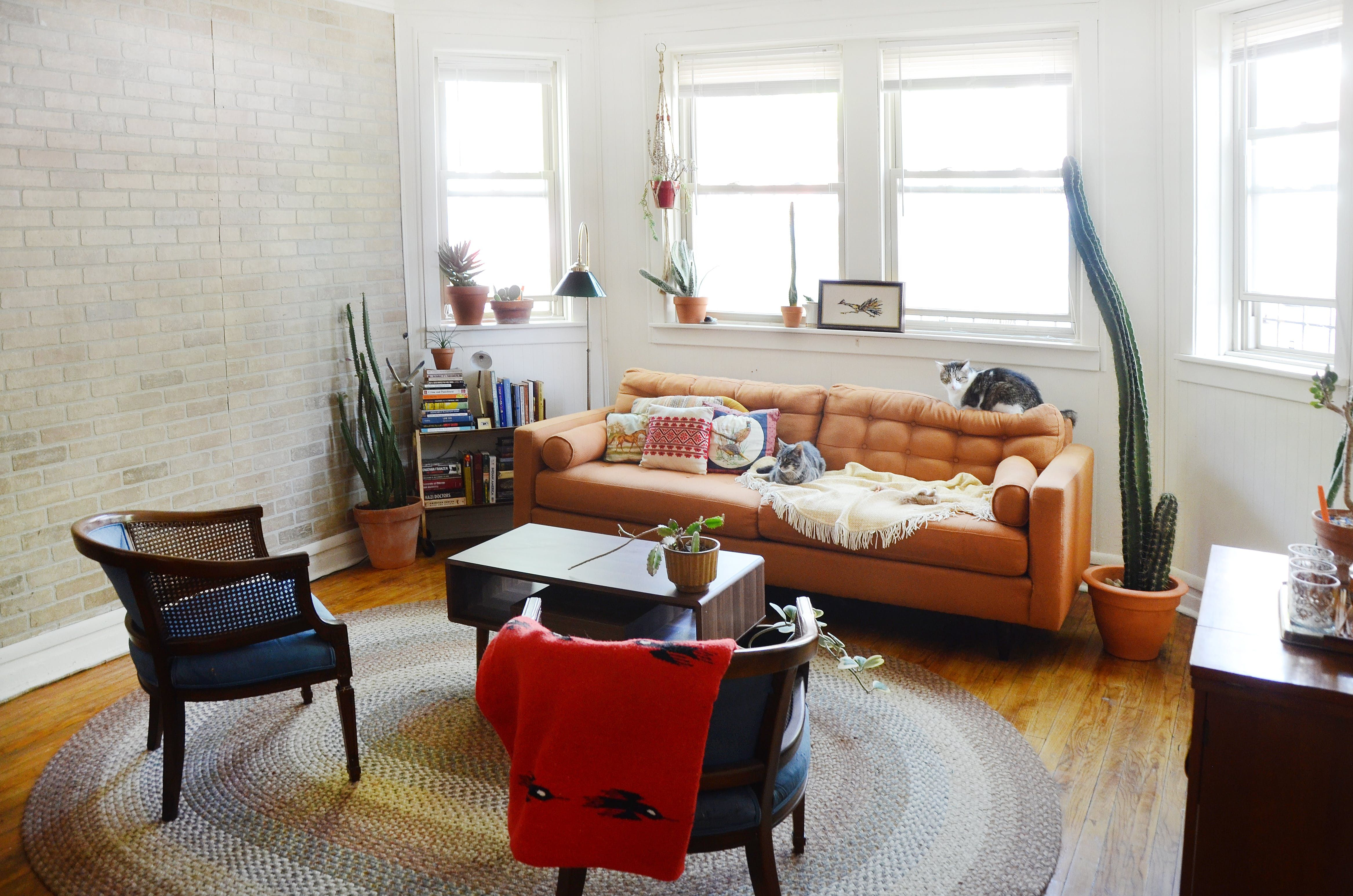 A chicago garden unit is bright and full of vintage finds house