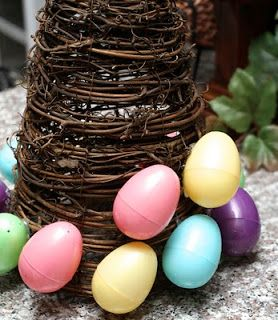 Love, Laughter & Decor: Easter Egg Topiary
