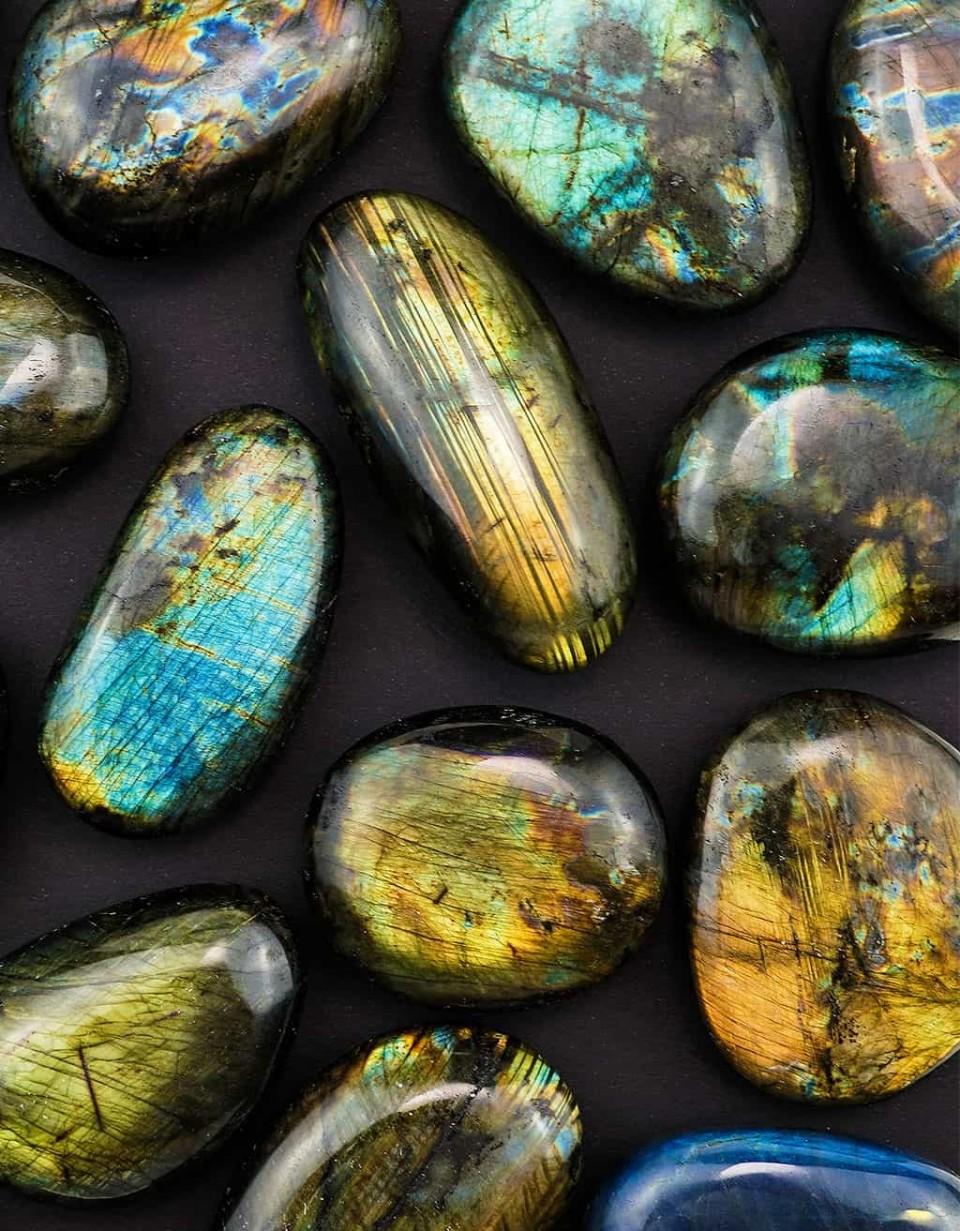 Labradorite Touchstones View The Best Labradorite Crystals From Energy Muse Labradorite Crystal Crystals Labradorite