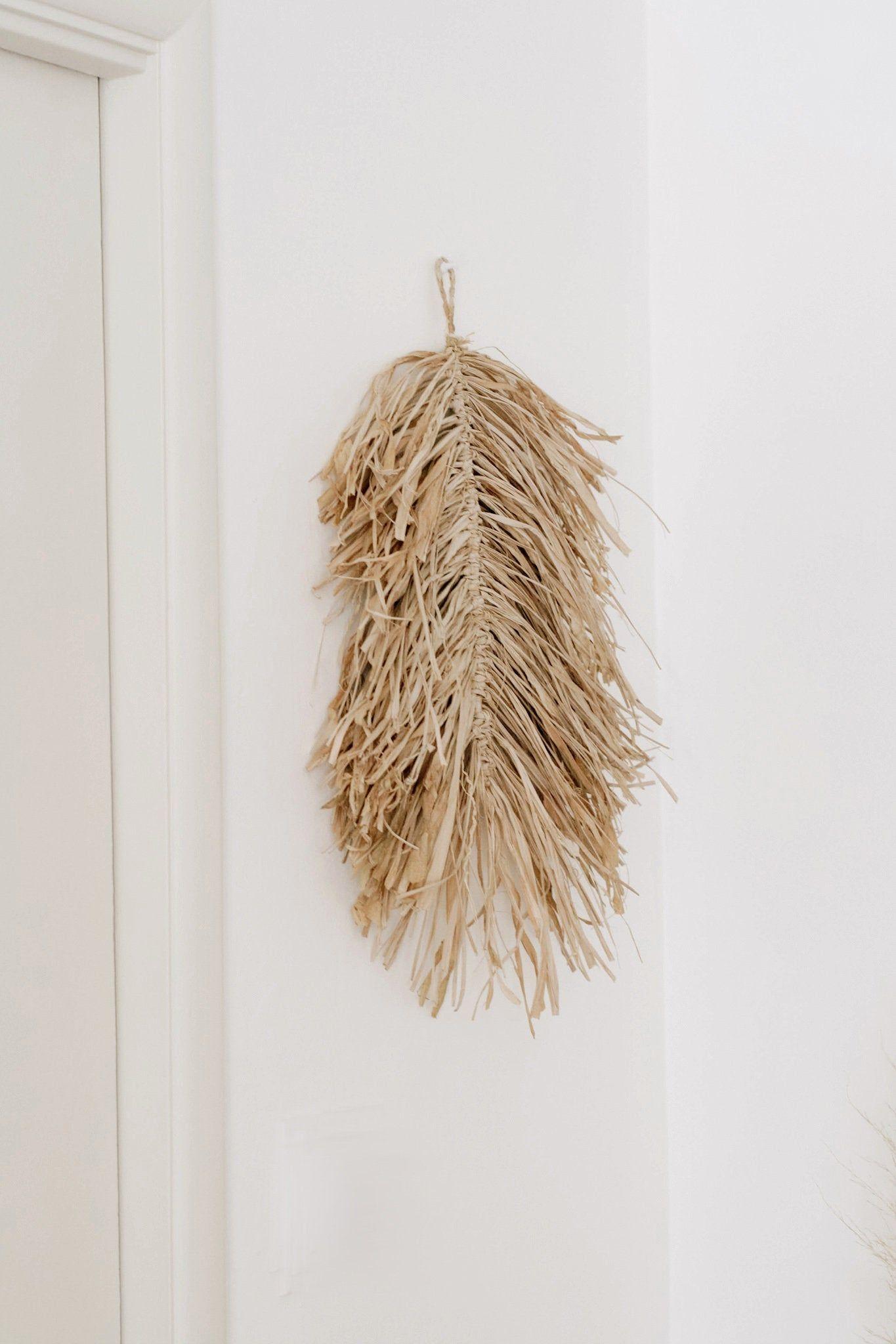 Handmade Natural Raffia Leaf Macrame Wall Hanging Grass Feather