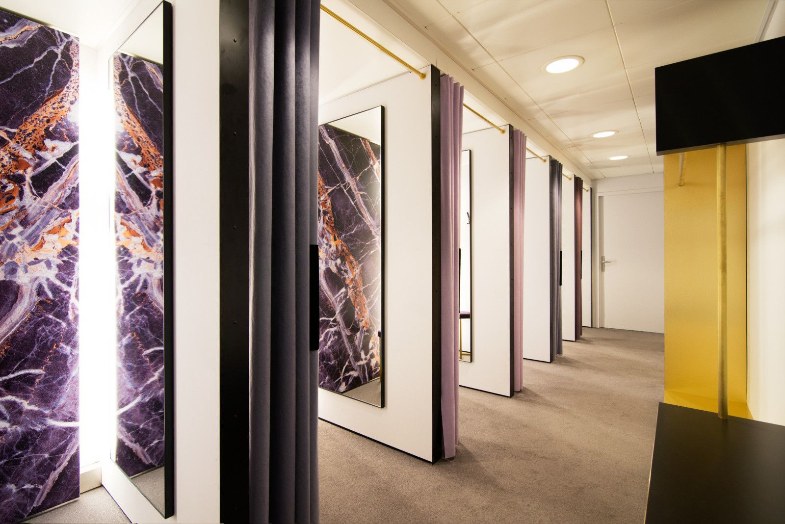 sheryl leysner interior architecture project management de bijenkorf amsterdam fitting rooms retail trend black gold purple marble print