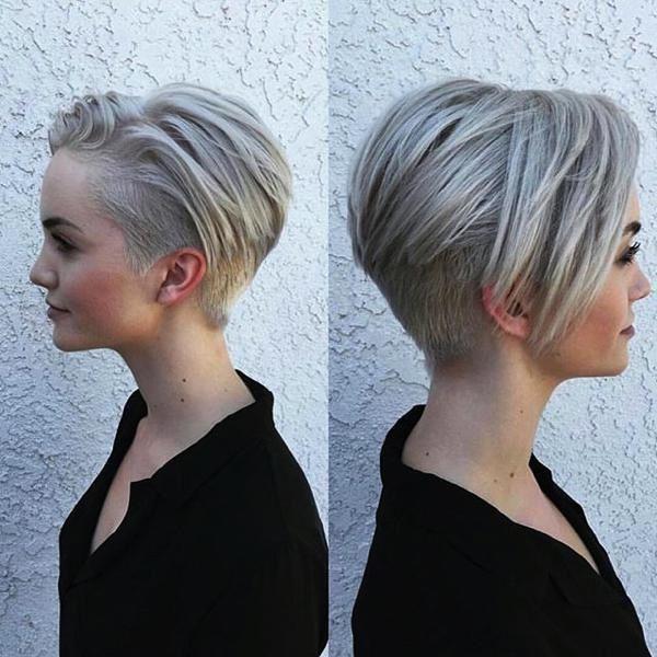 Coupe de cheveux des femmes cheveux courts minces