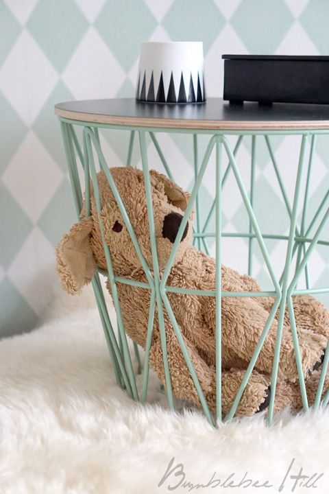 korbtisch ferm living wire basket interieur pinterest nachttisch kinderzimmer und korb. Black Bedroom Furniture Sets. Home Design Ideas