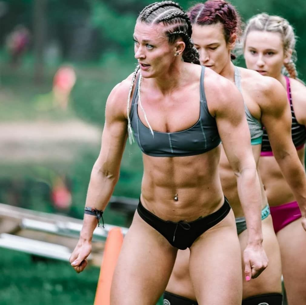 Pin By Berge Hazarabedian On Sport Feminin In 2020 Fitness Motivation Pictures Competing Survival Games