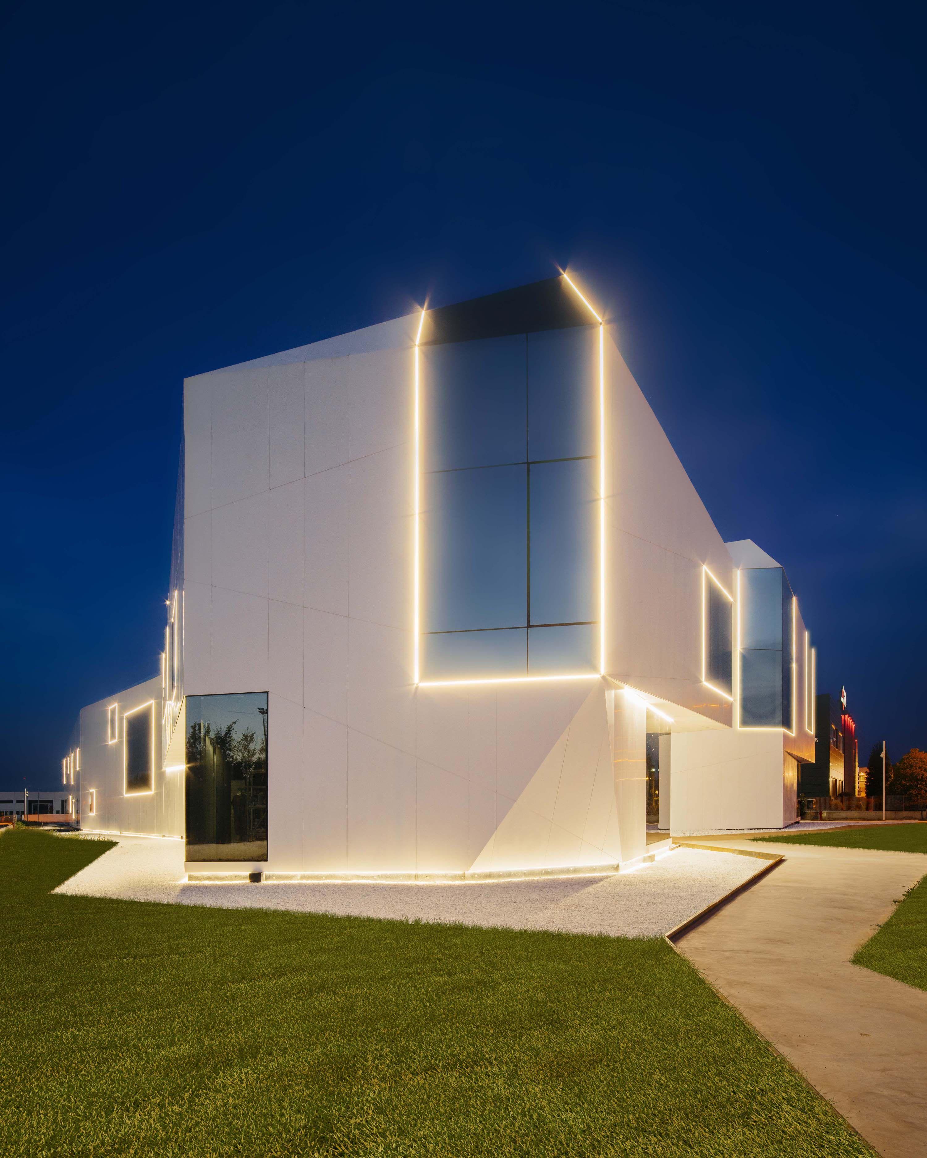 5 Unique Residential Landscape Lighting Design Ideas: Viabizzuno Progettiamo La Luce