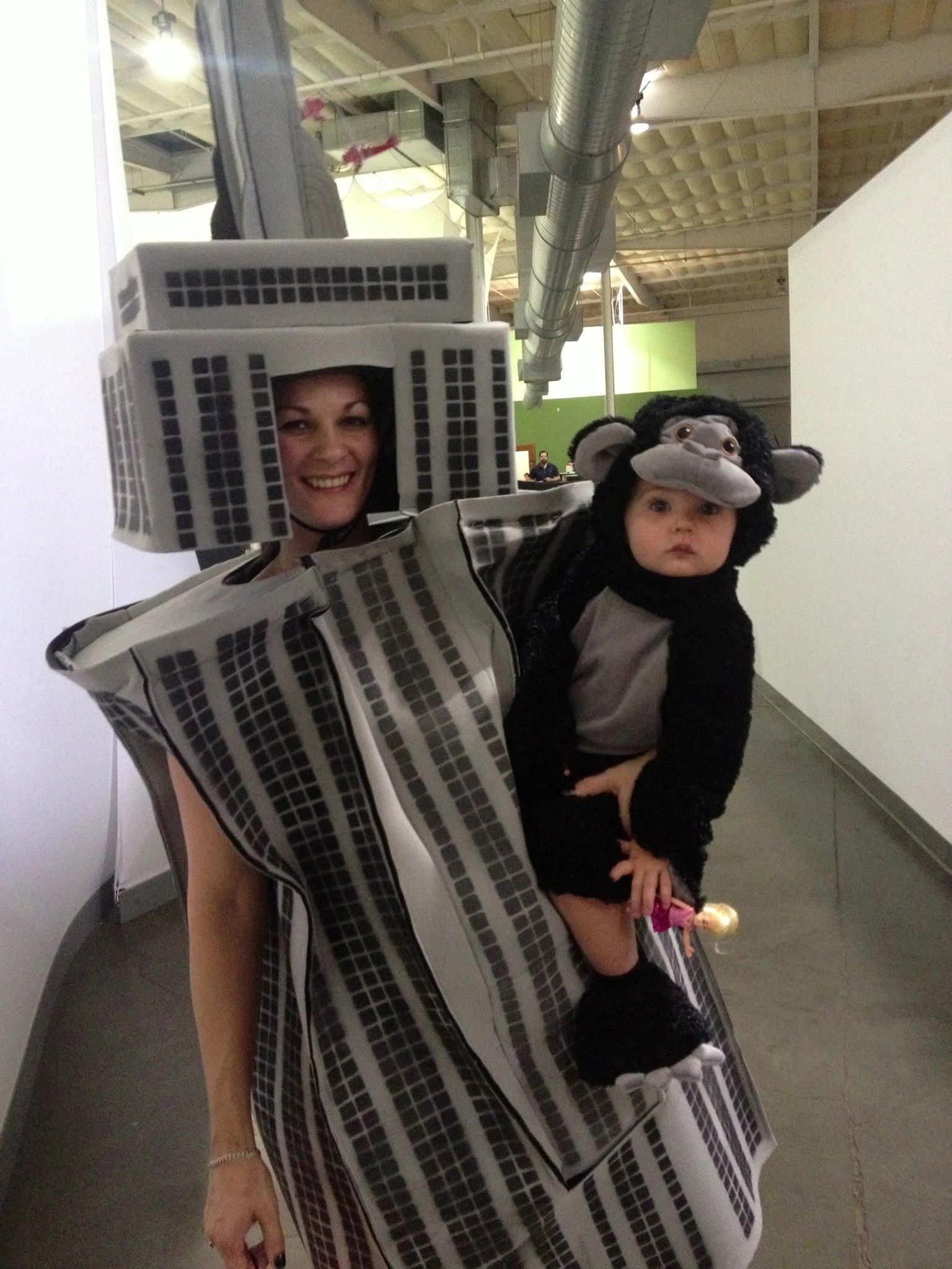 Best homemade king kong and the empire state building costume best homemade king kong and the empire state building costume solutioingenieria Image collections