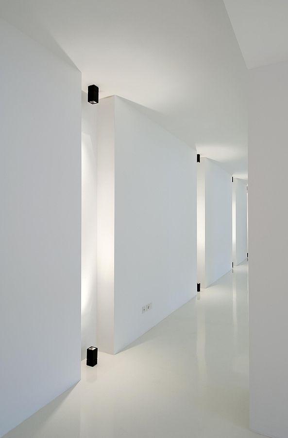 Hospital Corridor Lighting Design: Architecture Studio Thierschstraße, Munich By Landau