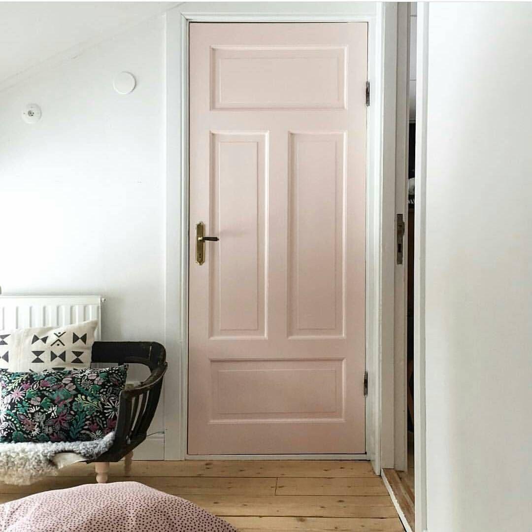 """158 gilla-markeringar, 2 kommentarer - Linnéa (@hemlikheter) på Instagram: """"Jag tycker så mycket om @elfvinggarden och jag tycker så mycket om hennes rosa dörr! Jag måste…"""""""