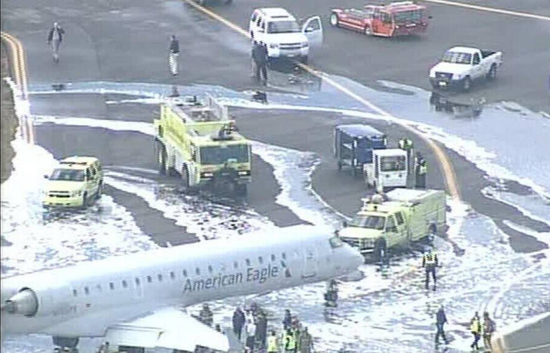 News American Airlines Flight Aa5320 Performs An