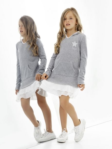 e79dfa1ea Deha ropa informal con toque deportivo para niñas http://www.minimoda.es