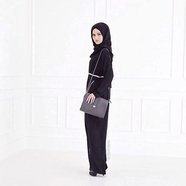 Monochrome Wrap Abaya + Black Maxi Jersey Hijab   INAYAH www.inayahcollection.com #inayah#modestfashion