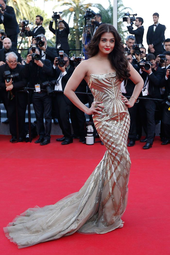 All That Glitters in Cannes is Golden Goddess Aishwarya | Fashion,  Bollywood celebrities, Gowns