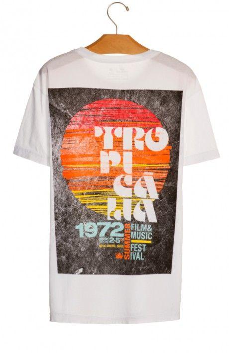 Osklen - T-SHIRT STONE TROPICALIA FILM MUSIC MC Camisetas Masculinas 77140435759
