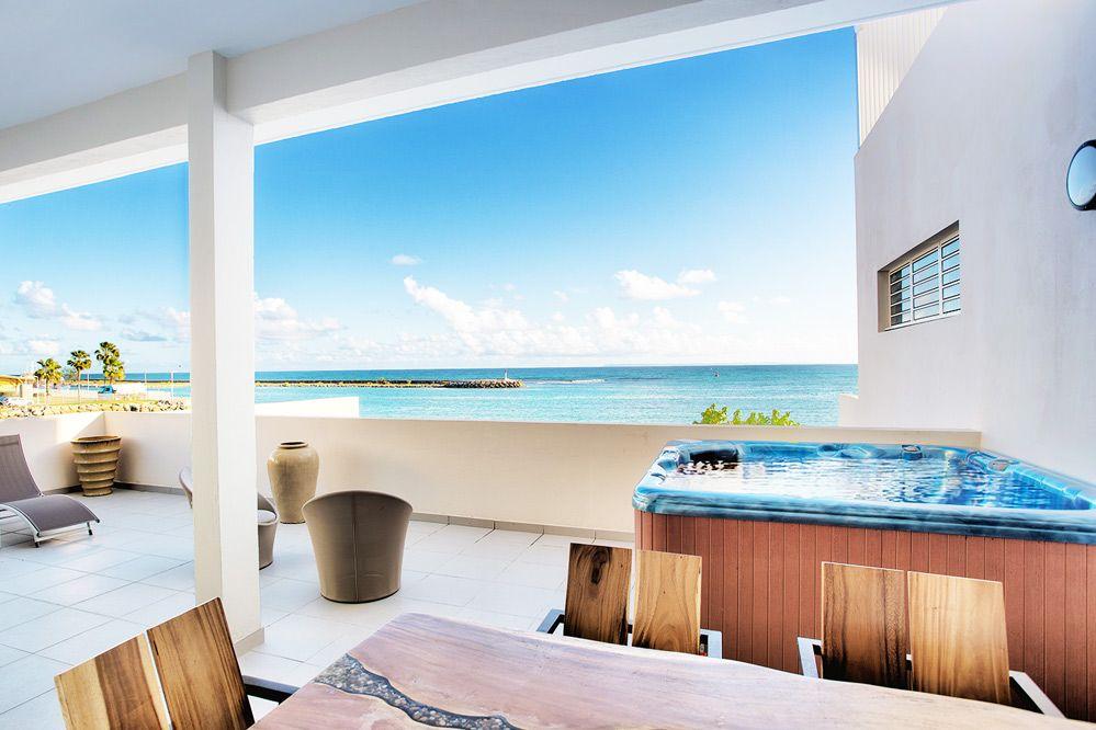 A Louer Appartement Front De Mer Avec Jacuzzi Terrasse