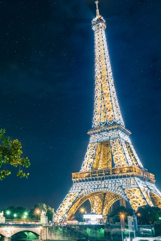 Descargar Eiffel Tower Lights 640 X 960 Wallpapers