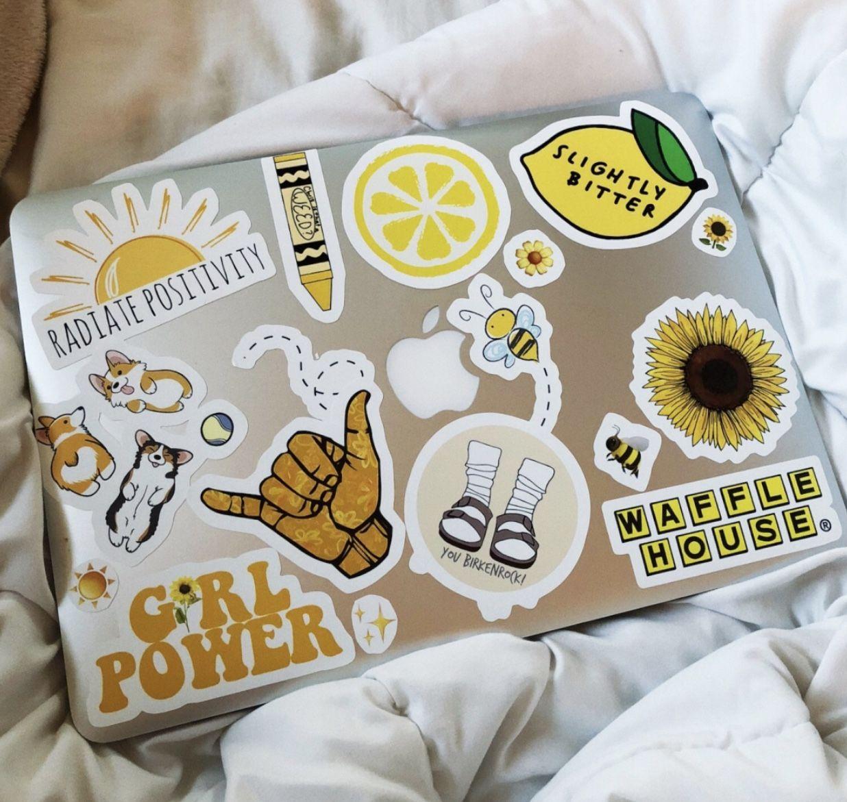 Pin by Tessdavis on Room decor in 2020 Cute laptop