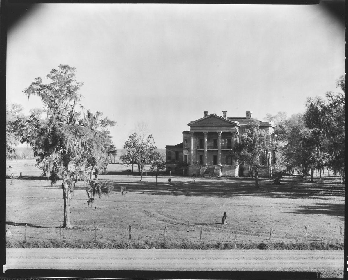 Walker Evans [Belle Grove Plantation, From Across Lawn