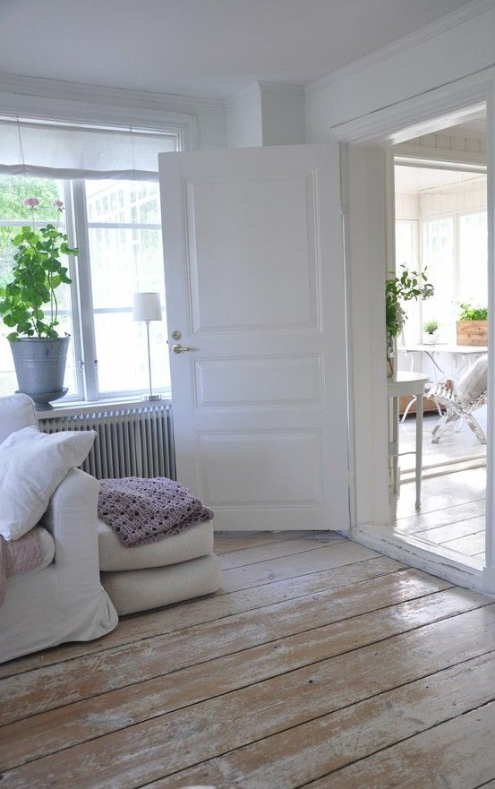 45 Cozy Whitewashed Floors Decor Ideas Digsdigs Home White Washed Floors Painted Wood Floors