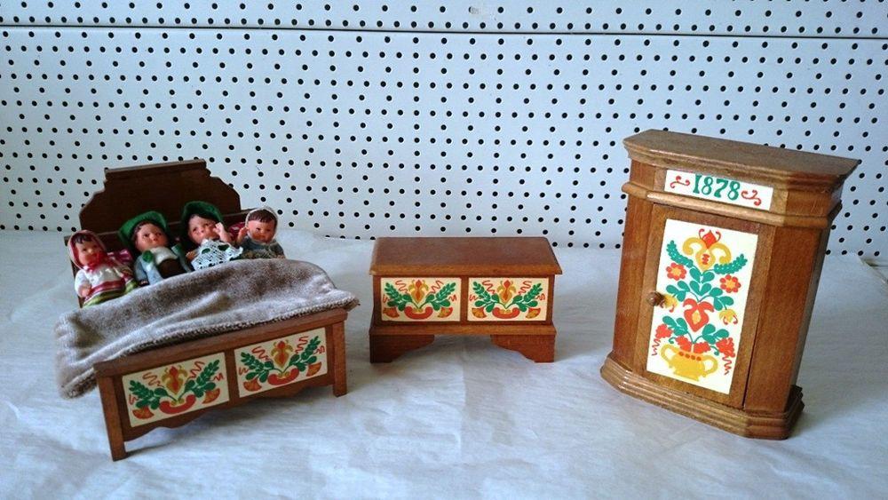 alte Puppenmöbel 1878 Antik Schrank Bett Truhe 4 x Puppen Familie