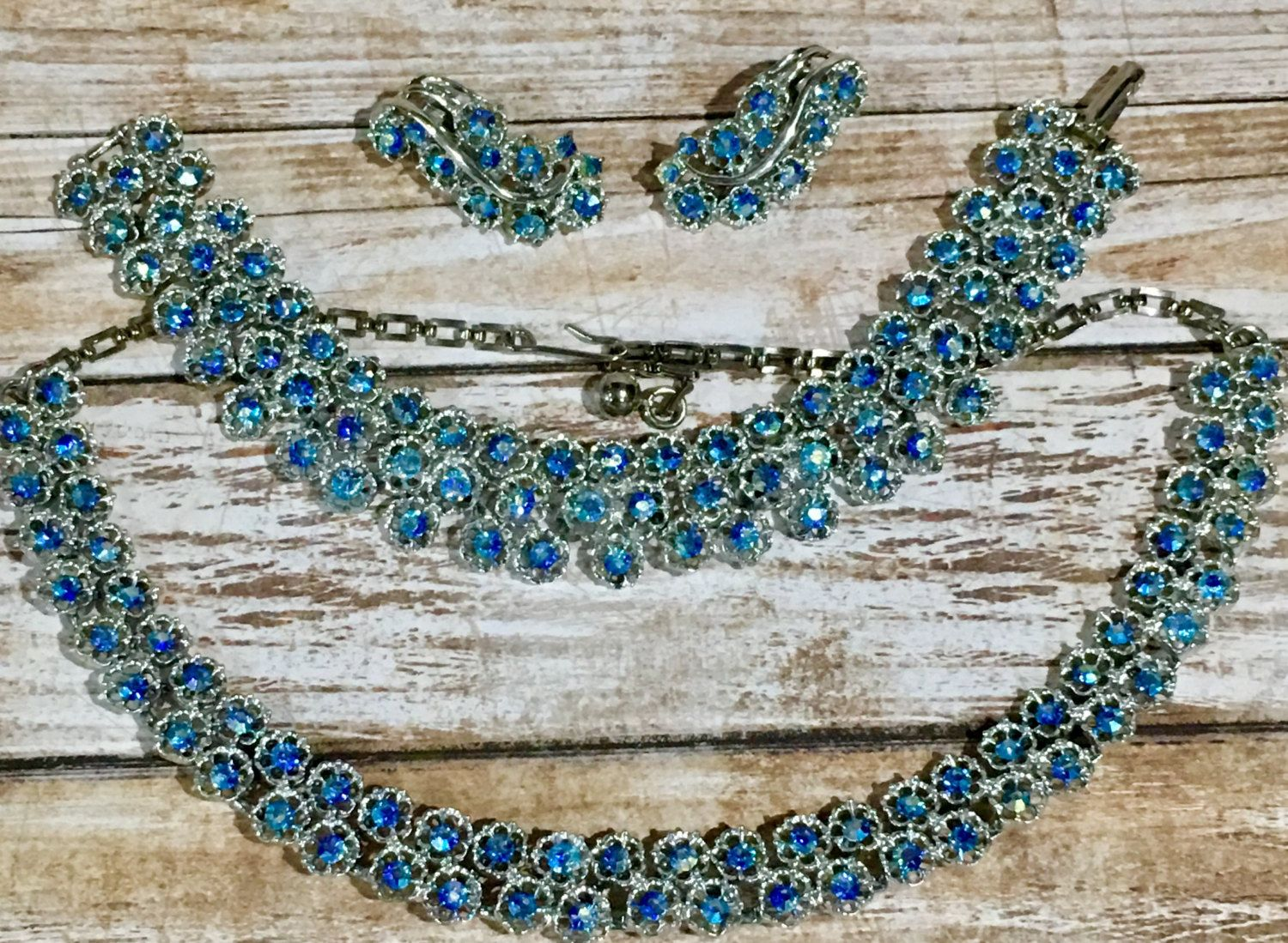 Coro Grand Parure Blue Aurora Borealis Crystals in Silver Setting // 1950-60 Earrings, Necklace, Bracelet in excellent condition by YeuxDeux on Etsy