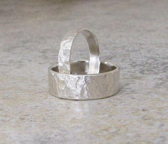 Mens Wedding Band Silver Bark Wedding Ring Hammered von SilverSmack, $102.00
