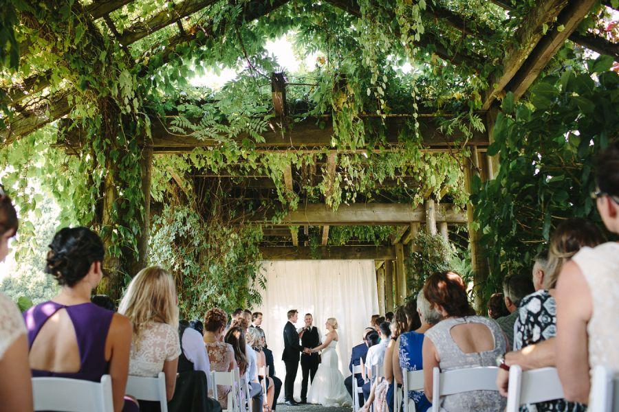 Elegant Vancouver Botanical Garden Wedding Botanical Gardens Wedding Garden Wedding Venue Greenhouse Wedding